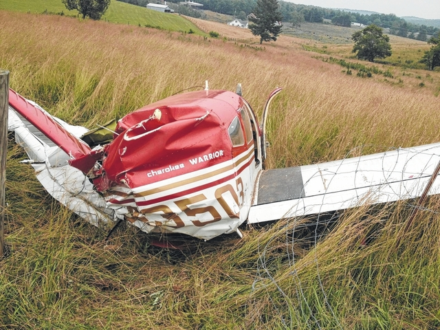 Small plane crashes in Carroll