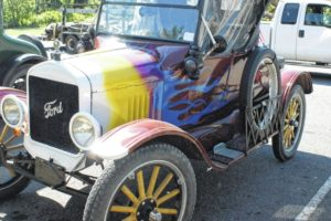 'Country Roads' attract Model T enthusiasts to Carroll